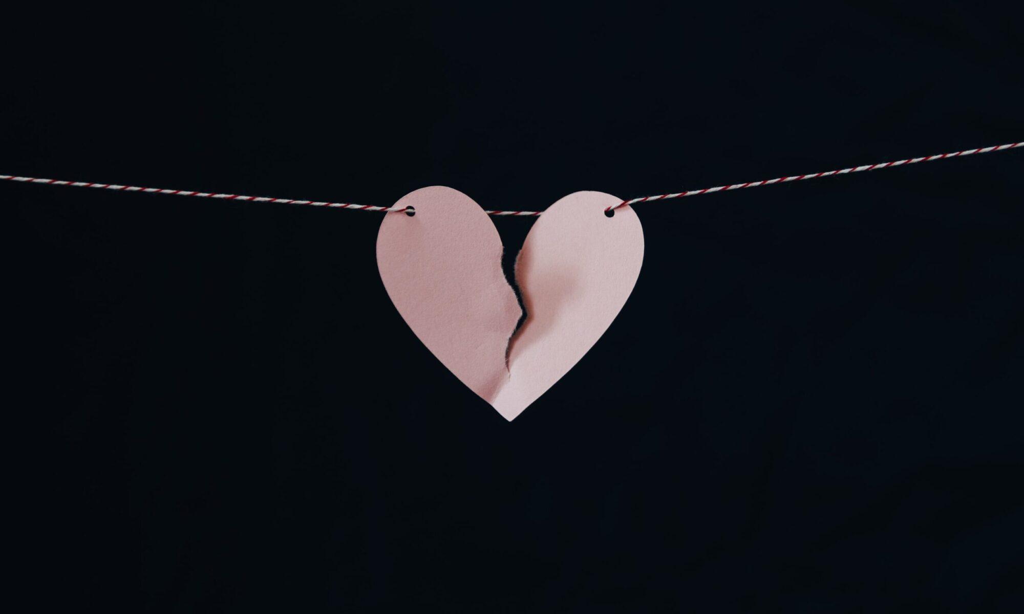 Liebeskummer - was verschafft Abhilfe? Foto: Kelly Sikkema / Unsplash